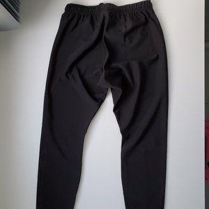 Patagonia black legging with zip ankle